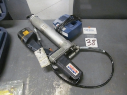 1 - Lincoln 1200 Cordless Power Grease Gun