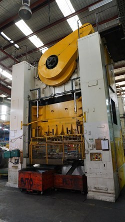 1 - Wilkins & Mitchell 400 Ton Mechanical Press