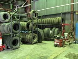 1 - Coats 5060EX Rim Clamp Tire Machine