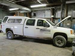 1 - GMC Sierra 3500 W/T Crew Cab 4WD Pickup Truck