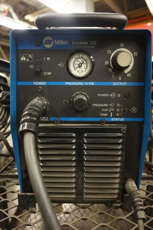 Miller Spectrum 625 >> Saskatchewan Transportation Company Webcast Auction 1