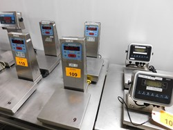 2 - Doron 4300 stainless table top digital