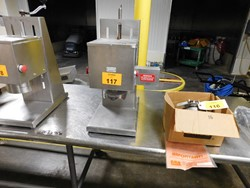 1 - Edlund 625 stainless pneumatic Can Opener