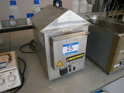 1 - LE2/11/R6  30-3000°C  Bench Top Oven