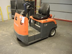 0 - Toyota 4CBT3 Electric Tractor