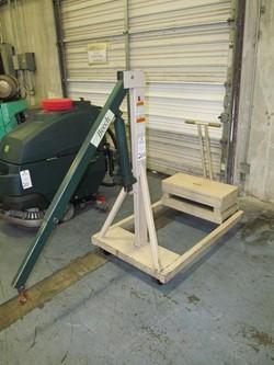 1 - Beech B-500CW 500 lb Manual Boom Crane
