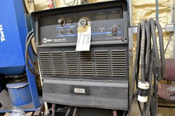 1 - Miller Dimension 652 CC/CV - DC Welding Power Source