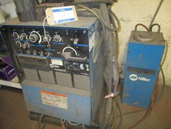 1 - Miller Syncrowave 250 CC.AC/DC Welding Power Source