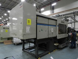 1 - Cincinnati Milacron VH752-140 750-Ton x 140-Oz. Injection Molding Machine