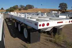 1 - Atlas ST-1  132,000 Lb Capacity Case Transport Trailer