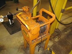 1 - Beebe Dinky Tugger 1000P60-5 1,000 Lb Capacity Air Powered Winch