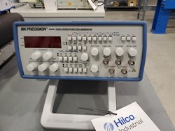 1 - BK Precision 20 MHz sweep/function Generator