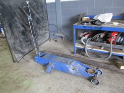 1 - Make Unknown Blue Hydraulic Mobile Jack