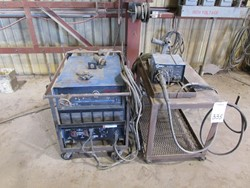 1 - Miller 302 Deltaweld CV/DC Welding Power Source