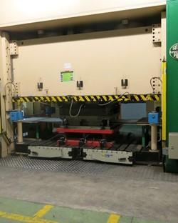 1 - Sutherland SD 3 600 Hydraulic Press