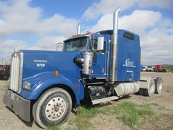 1 - Kenworth W-900 Tandem Axle Tractor