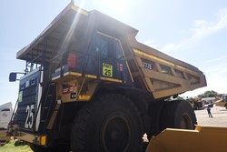1 - Caterpillar 777E Dump Truck