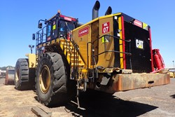 1 - Caterpillar 992K Front End Loader