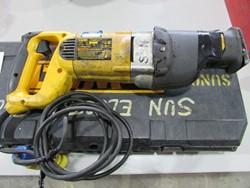 1 - DeWalt DW309 VS Electric Reciprocating Saw