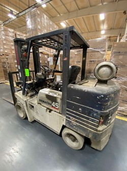1 - Komatsu 45-PG-45ST-6 10,000 Lb. LPG Forklift Truck