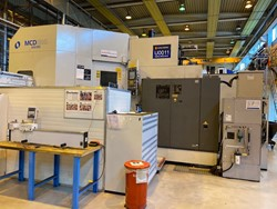 1 - Makino MCD 1816 4-AXIS CNC Horizontal Machining Center