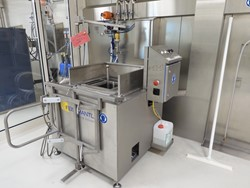 1 - FEISTMANTL BWA  Cleaning Installation with Ball Cleaner