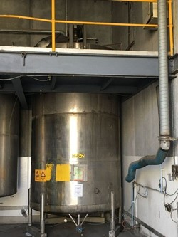 1 - Stainless Steel 19,000 Litre tank with top mount agitator Storage Tank