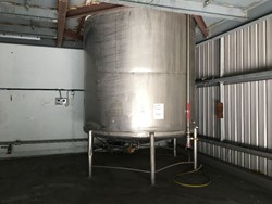 1 - Stainless Steel 18,000 Litre tank with top mount agitator Storage Tank